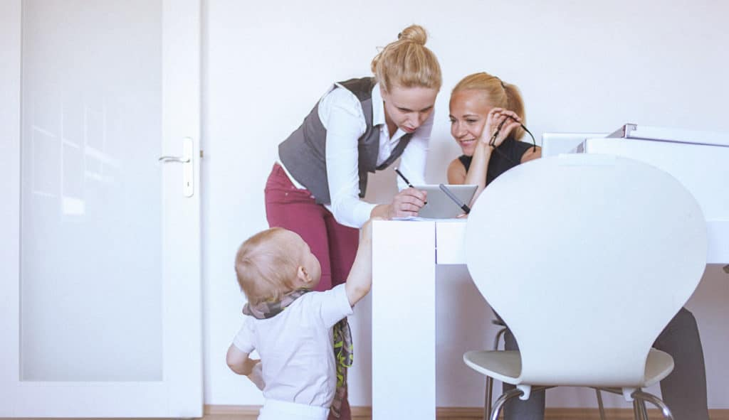 A Guide for Super Moms on How to Become Financially Independent